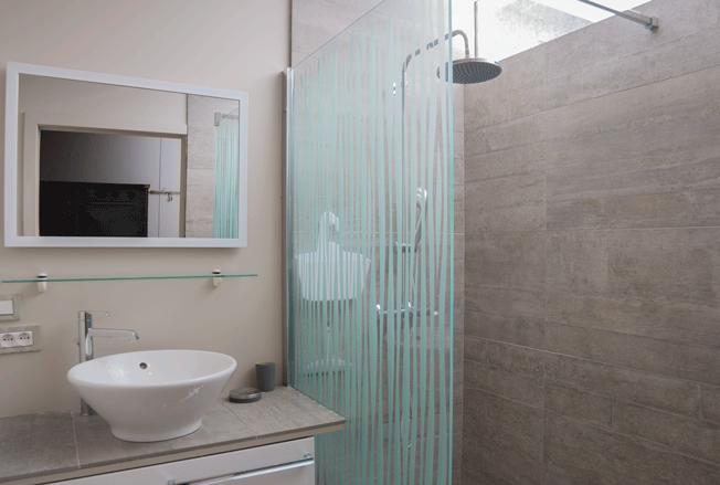 """Salle de bain de la chambre """"Métal"""""""